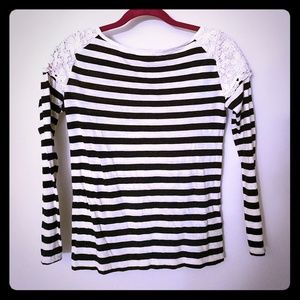 Striped long sleeve with lace shoulders